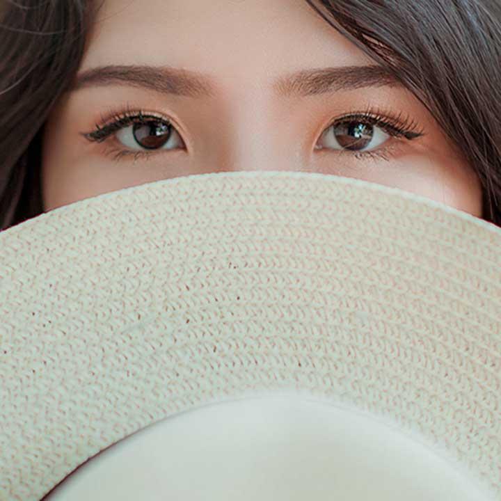 Design de sobrancelhas em Moema